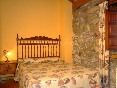 habitación cama matrimonio Casuca Susi Dcha.