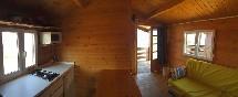 Playa-de-arija-interior-bungalow-madera
