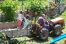 niñas que están en casa con Fermin en el tractor