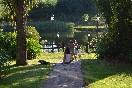 Caminando hacia el lago