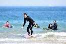 Escuela-cantabra-de-surf-entre-olas-aprendiendo