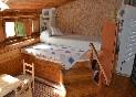 Casa-rural-los-castaños-habitación-cama