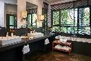 Suite Jardín - Baño con Bañera de Hidromasaje