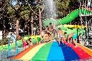Zona de juegos infantil - piscina