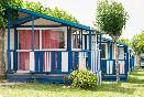 Exteriores bungalows azules
