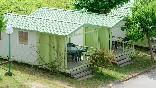 Exteriores  bungalows verdes