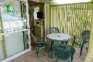 Porche  bungalows verdes