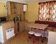 Camping-alquézar-mobil-home-cocina-salón