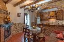Salón-cocina interior del Castaño