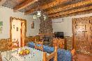 Salón-cocina El Roble interior
