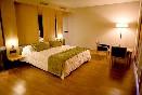 Suite jacuzzi triangular habitación