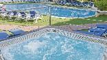 Jacuzzi en terraza piscina
