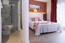 Vista habitación y baño