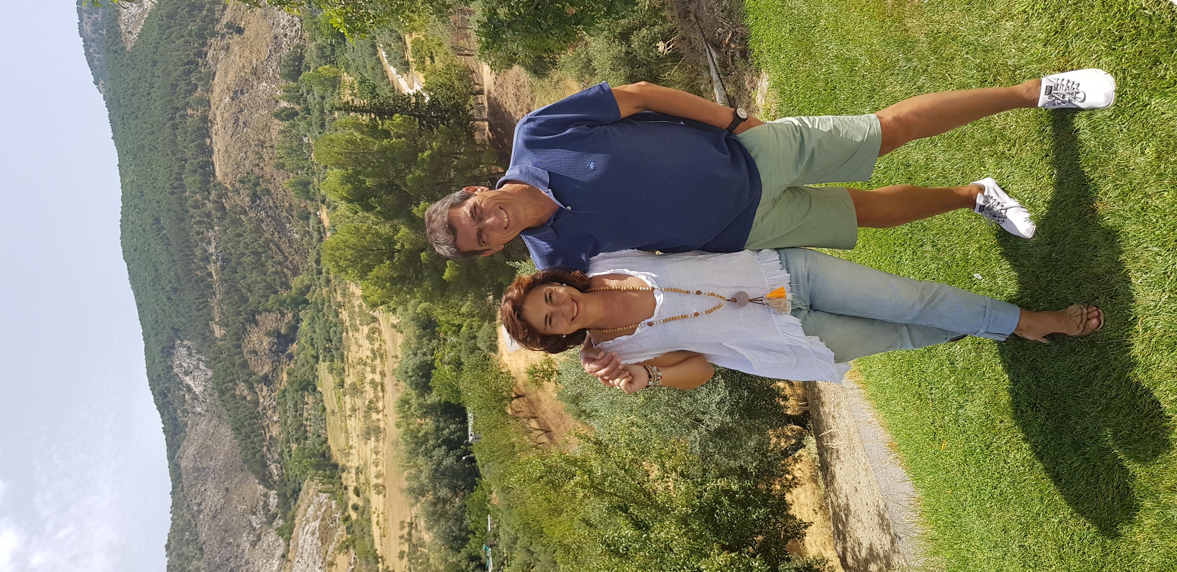 Imagen de Patricia Merino y José Manuel Plana que es propietario de La Almunia del Valle