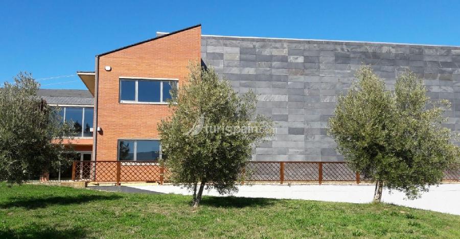 Bodegas petrón fachada (1)