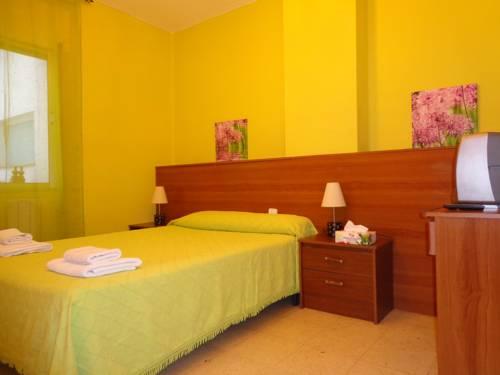 Hotel Pension Mode Lleida