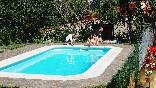 Piscina privada de la casa rural Casa Salva, especial familias con niños y grupos de amigos