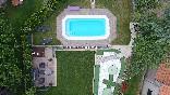 Vista de dron del jardín de Casa Salva