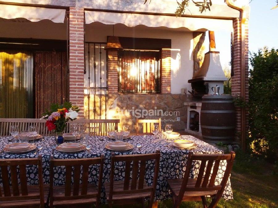 Casa rural el cerrillo - comer en el jardin barbacoa