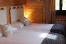 Casas familiares camas y espacios