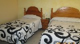 habitacion con terraza y baño privado