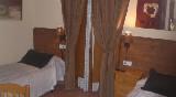 roch-hotel-habitación-camas-individuales
