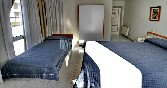 Interior habitación totalmente equipada