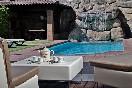 Casa-jizo-mobiliario-terraza