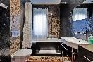Casa-jizo-baño-con-madera