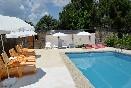 Galapagar-piscina-tumbonas