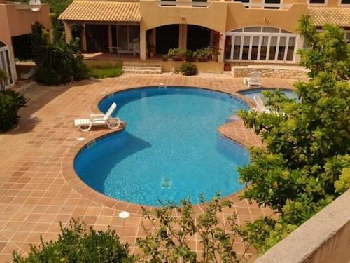 Rental Villa Los Rosales