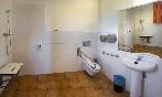 Baño adaptado para personas con problemas de movilidad