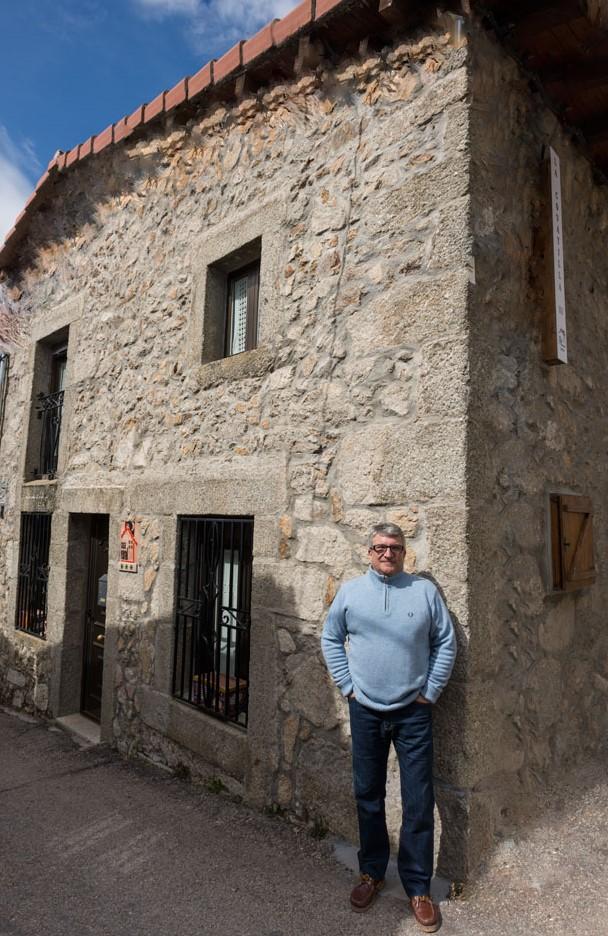 Imagen de Gregorio,                                         propietario de La Covatilla III