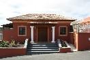 Fachada villa doña celia