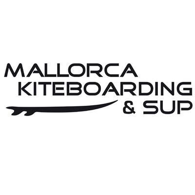 Imagen de Mike y Perico,                                         propietario de Mallorca Kiteboarding & Sup