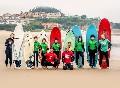 Escuela surf monitores y alumnos