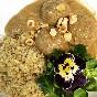 Albóndigas de soja con salsa de boletus edulis y avellanas con quinoa