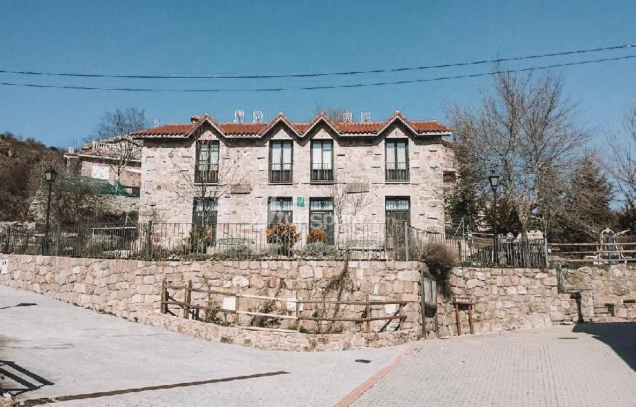 Casa-rural-la-escuela