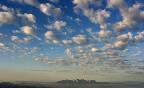 Globus-kontiki-bages-barcelona-nubes