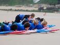 Escuela-de-surf-los-locos-antes-de-lanzarse-al-mar