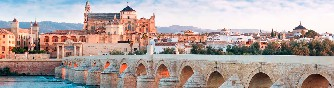 Córdoba-a-pie-panorámica-puente-romano-mezquita
