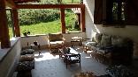 La-casa-encantada-porche-y-jardín