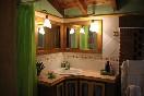 La-casa-encantada-baño-doble-espejo