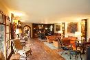 Hotel-el-ancla-gran-salón-con-chimena