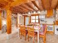 El-rincon-de-carmina-cocina-y-escaleras